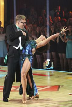 "Wk1 - Drew Carey & Cheryl Burke danced Foxtrot to ""Money (That's What I Want)"" by Barrett Strong Judges' Scores: 7+7+7=21"
