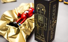 Robot Roy - The Nutcracker Toy on Packaging of the World - Creative Package Design Gallery
