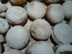 Babkine šišky • recept • bonvivani.sk Eggs, Cookies, Breakfast, Crack Crackers, Morning Coffee, Biscuits, Egg, Cookie Recipes, Cookie