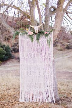 How perfect is this backdrop for a bohemian wedding?! | Marissa Kay Photography