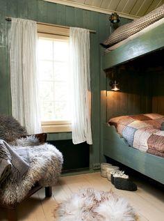 Redecorating Øyangstølen - After Farmhouse Interior, Bedroom Green, Scandinavian Home, Bedroom Furniture, Cottage, House Design, Pine Mountain, Home Decor, Lotr
