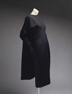 Vestido negro por Cristóbal Balenciaga | StyleDialogue