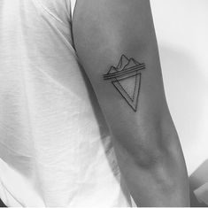 Welcome my new addition to my body. A custom iceberg tattoo done by Layla Chen…