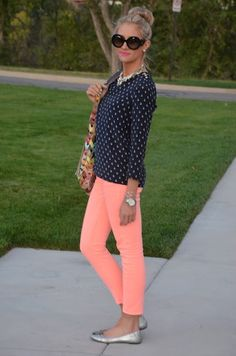 love the outfit. blue/white pattern top with hot coral pants rm