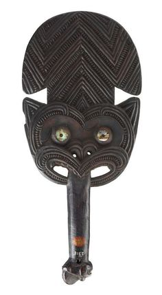 This article aims to help the reader understand and distinguish the different types of Maori Weapons. To understand Maori weapons and their intended specialized functions. Polynesian People, Polynesian Art, Maori Tribe, Maori Patterns, Maori Art, Boxing Workout, Moka, Ocean Art, Tribal Art