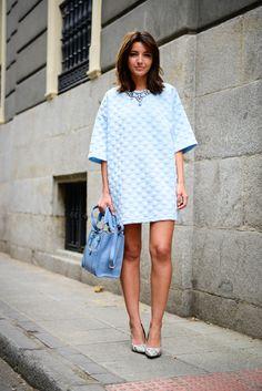 Robe bleue matelassée, manches courtes larges - Les Cachotières