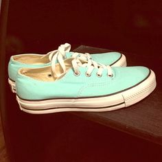 Teal Converse Worn twice. Great condition. Converse Shoes Sneakers