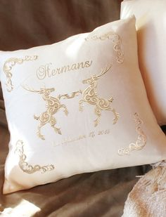 Tutorials | Urban Threads: Heraldic embroidered tone-on-tone wedding pillow