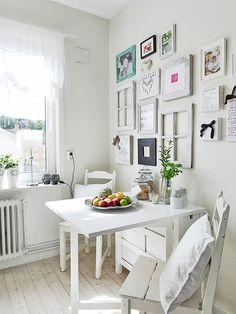 Dieser Essbereich ist klein, aber fein. Schwedisches Design.