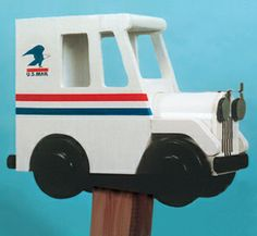 Postal Truck Mailbox Wood Pattern What could be more fitting than a postal truck mailbox? #diy #woodcraftpatterns