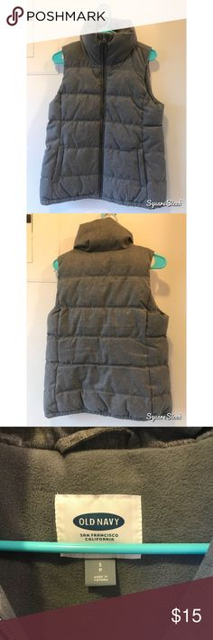 Old navy grey puffer vest Small old navy grey puffer vest Old Navy Jackets & Coats Vests