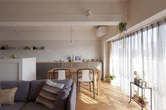 #リビング #ダイニング #キッチン #living #dining #kitchen #LDK #livingdiningkitchen #ソファ #チェア #ダイニングチェア #植物のある暮らし #室内窓 #リノベーション #EcoDeco #エコデコ #Y様邸清澄白河 Ldk, Interior Ideas, Divider, Room, Furniture, Home Decor, Bedroom, Decoration Home, Room Decor