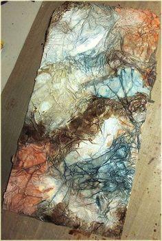 Textura de fondo con papel de seda y tintas