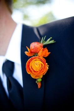 I like this with just the ranunculus, and not the other flowers above. Wrapped with a purple ribbon. This vibrant orange ranuculus buttonhole would make a striking style statement! Orange Boutonniere, Ranunculus Boutonniere, Ranunculus Wedding, Boutonnieres, Orange Wedding Colors, Orange Flowers, Silk Flowers, Paper Flowers, Floral Wedding