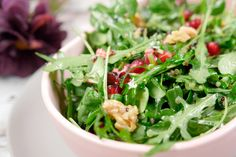 Quinoa-Salat mit Granatapfel, Rucola, Feldsalat und Walnüssen Grilling Recipes, Lunch Recipes, Salad Recipes, Dinner Recipes, Healthy Salads, Healthy Cooking, Healthy Eating, Healthy Recipes, Eat Smart