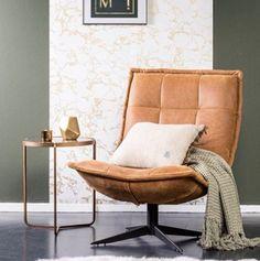 Pure wood - Stijlvol plaatje van fauteuil spider in het allermooiste leer Barcelona Chair, Occasional Chairs, Swivel Chair, Sofa Design, Bed And Breakfast, Decoration, Interior Design Living Room, Cool Furniture, Man Cave