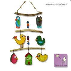 """GIostrina """"Gli uccellini"""" ideato da LECOSEDIKIA in feltro e legno di fiume. *** Baby mobile by LECOSEDIKIA made in felt and wood."""