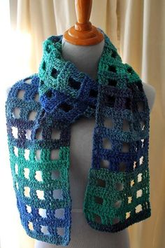 Crocheting: The 'Not a Pain' Pane Scarf