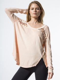 Work Appropriate Attire #chic | Moda, Blusa color coral