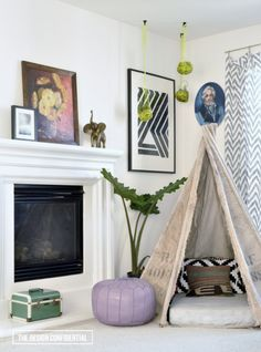 Design Moments: Pictures of a Corner in My Family Room | The Design Confidential