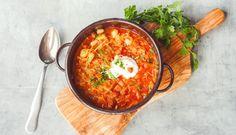 Kysané zelí zažene hlad i chlad. Co z něj uvařit? Soup Recipes, Vegetables, Cooking, Ethnic Recipes, Food, Soups, Drink, Baking Center, Meal
