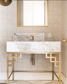 Marble - The Ongoing Home Trend | It's crisp clean natural looks and exquisite pattern formations provide visual interest to our homes so it's no surprise that it continues to be a popular choice. #marble #hometrend #homedecor