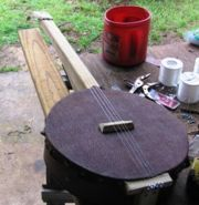 How to Make a Banjo for Fun. Banjos are a simple stringed instrument that originated in West Africa. Modern banjos are precision engineered and constructed with specially chosen materials by skilled craftsmen, but if you are not too fussy. Ukulele Stand, Banjo Ukulele, Homemade Musical Instruments, Music Instruments, Diy Instrument, Cigar Box Guitar Plans, Make Mine Music, Bluegrass Music, Guitar Building