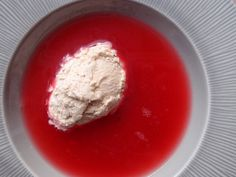 Rabarbersuppe med vaniljeis