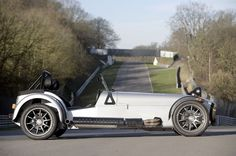 CATERHAM Roadsport: We have this beauty in British Racing Green here at Hillbank. Caterham Cars, Caterham Super 7, Caterham Seven, Muscle Cars, Jdm, Lotus Sports Car, Lotus 7, Kit Cars, Dream Garage