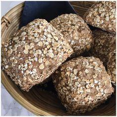 Glutenfri grove stykker med hampefrø - Betina Wessberg