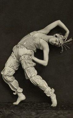 """Ballet dancer Tamara Karsavina in """"Scheherezade"""" by E.O. Hoppé c. 1912"""