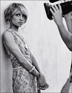 Nicole Richie - short hair  Google Image Result for http://wwwimage.cbsnews.com/images/2006/07/26/image1836681.jpg