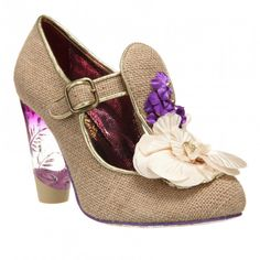 Irregular Choice Can't Touch This (405 BRL) ❤ liked on Polyvore featuring shoes, beige, wedding collection, irregular choice, floral pattern shoes, flower print shoes, floral-print shoes and t bar shoes
