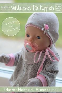 Freebook WInterset for dolls of size 25 to 50 cm. The dolls winter set includes hat, scarf and gloves for dolls. Freebook WInterset for dolls of size 25 to 50 cm. The dolls winter set includes hat, scarf and gloves for dolls. Doll Clothes Patterns, Doll Patterns, Baby Born Kleidung, Bb Reborn, Baby Born Clothes, Baby Dolls For Kids, Amigurumi Doll Pattern, Amigurumi Toys, Shower Bebe