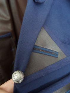 24. Dreiecke am Mantel mit dem Überhang vorne oberhalb der seitenleisten aus 23.