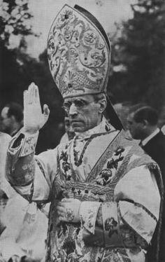 Catholic Art, Catholic Saints, Roman Catholic, Pope Pius Xii, Roman Church, Pope Benedict Xvi, Pope Francis, Christianity, Modern Art