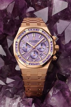 The new Royal Oak Selfwinding Chronograph's carefully selected purple amethysts harmoniously echo the chameleon dial, elegantly changing colour in the light. Royal Oak, Purple Hues, Audemars Piguet, Violet, Purple Amethyst, Elegant, Gold Watch, Pink And Gold, Rolex Watches