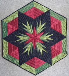 QuiltinGal Barbara H. Cline: Christmas Quilt Pattern - - QuiltinGal Barbara H. Cline: Christmas Quilt Pattern 34 QuiltinGal Barbara H. Colchas Quilting, Quilting Projects, Quilting Designs, Paper Piecing Patterns, Quilt Block Patterns, Quilt Blocks, Christmas Patchwork, Christmas Quilt Patterns, Christmas Quilting