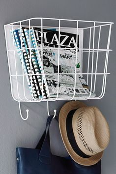 Storage basket that fits bags, caps, newspapers, toys with . Wire Baskets, Baskets On Wall, Storage Baskets, Smart Storage, Storage Hacks, Workspace Inspiration, Home Decor Inspiration, Hallway Inspiration, Hall Cupboard