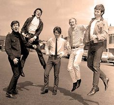 The Hollies - The most distinctive vocal harmonies in rock . . .for real.