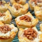 Geitenkaas, walnoot en honing hapjes – Laura's Bakery – puff pastry bites wi… – Its Delicious Recipes – Recipe Ideas I Love Food, A Food, Good Food, Food And Drink, Yummy Food, Appetizer Recipes, Snack Recipes, Appetizers, Snacks Für Party