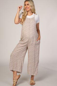 Maternity Midi Dress, Stylish Maternity, Maternity Tees, Pink Blush Maternity, Maternity Fashion, Pregnancy Fashion, Floral Jumpsuit, Baby Girl Dresses, Fitness Models