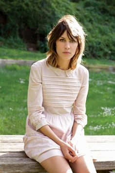 Why is it that to get tousled, easy-going hair, it would take me forever to style it??? I think i could rock this look, but I don't want to spend the time doing it.
