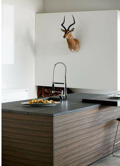 Küche, Insel, Kochinsel, Holz, Dunkle Holzküche, Holzfronten,  Landhausküche, Landhaus