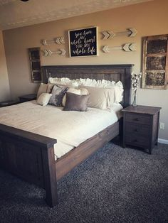 Comfy Bedroom Design And Decor Ideas With Farmhouse Style 08