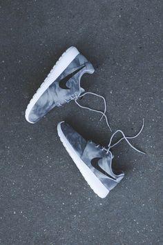 Nike Roshe Run Electric Grey