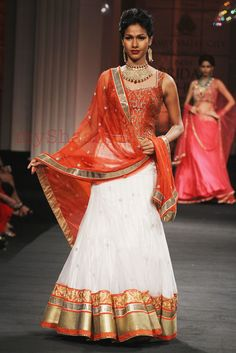 myShaadi.in > Indian Bridal Wear by Jyotsna Tiwari