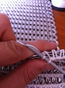 Pop Tab crochet method... Would make a cool bathroom rug