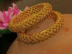 How To Choose The Perfect Pair Of Gold Diamond Earrings Gold Bangles Design, Gold Jewellery Design, Gold Jewelry, Jewelery, Fine Jewelry, Handmade Jewellery, Designer Jewelry, Stylish Jewelry, Fashion Jewelry