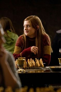 Ginny Weasley(Harry Potter Film Series) played by Bonnie Wright Gina Harry Potter, Harry Y Ginny, Mundo Harry Potter, Harry Potter Characters, Harry Potter Universal, Harry Potter Fandom, Harry Potter World, Harry Potter Memes, Harry Potter Ginny Weasley